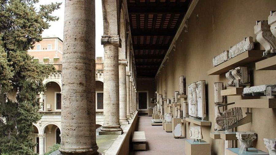 18 Palazzo Venezia
