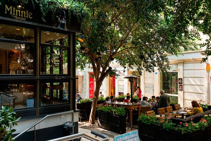 5 must-visit neighborhoods in Athens (2)